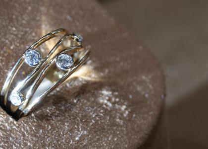 Gold-Diamond Rings